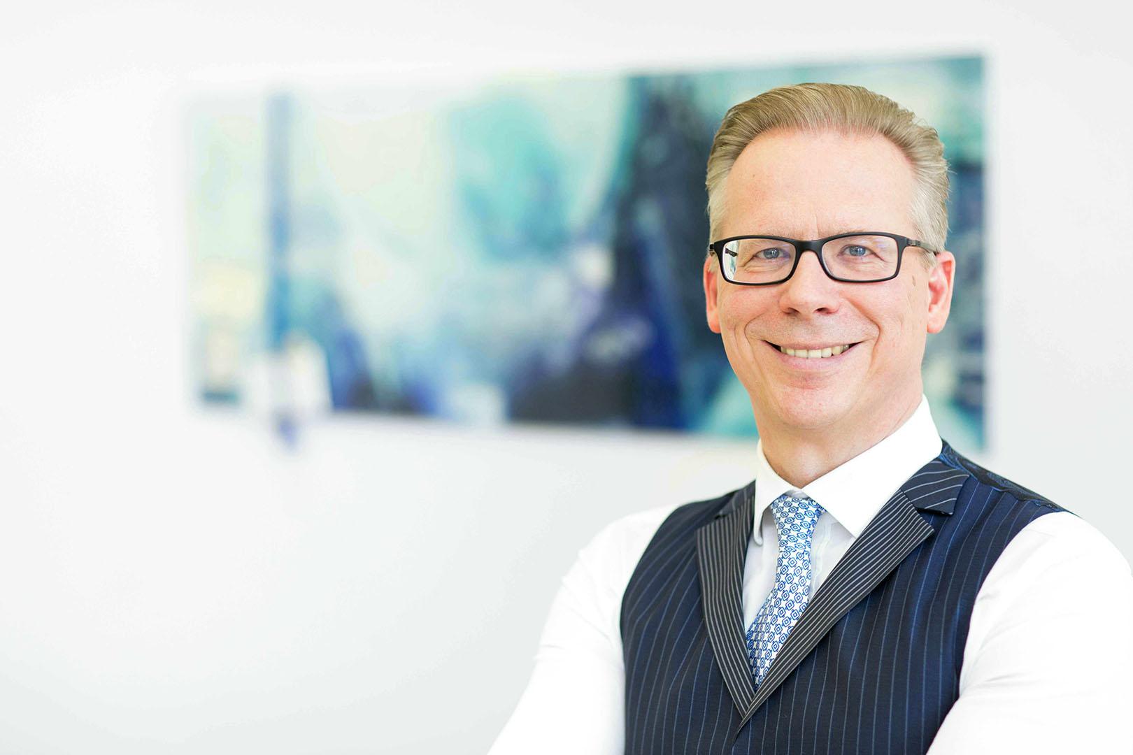Hans-Jürgen Bohnsack, Steuerberater, Diplom-Ökonom, zertifizierter Berater für Gemeinnützigkeit (IFU / ISM gGmbH)